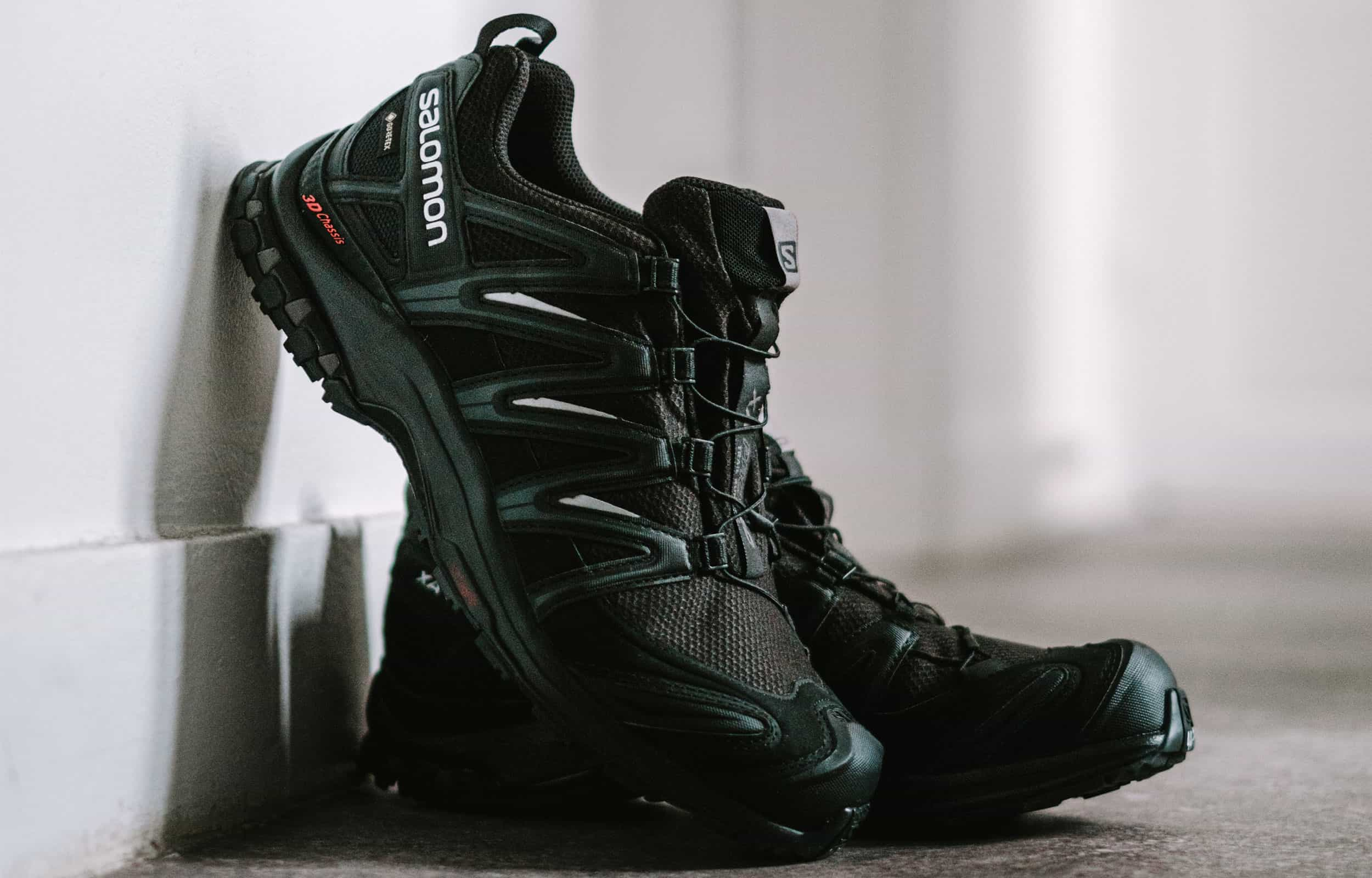 close up of salomon trail runners