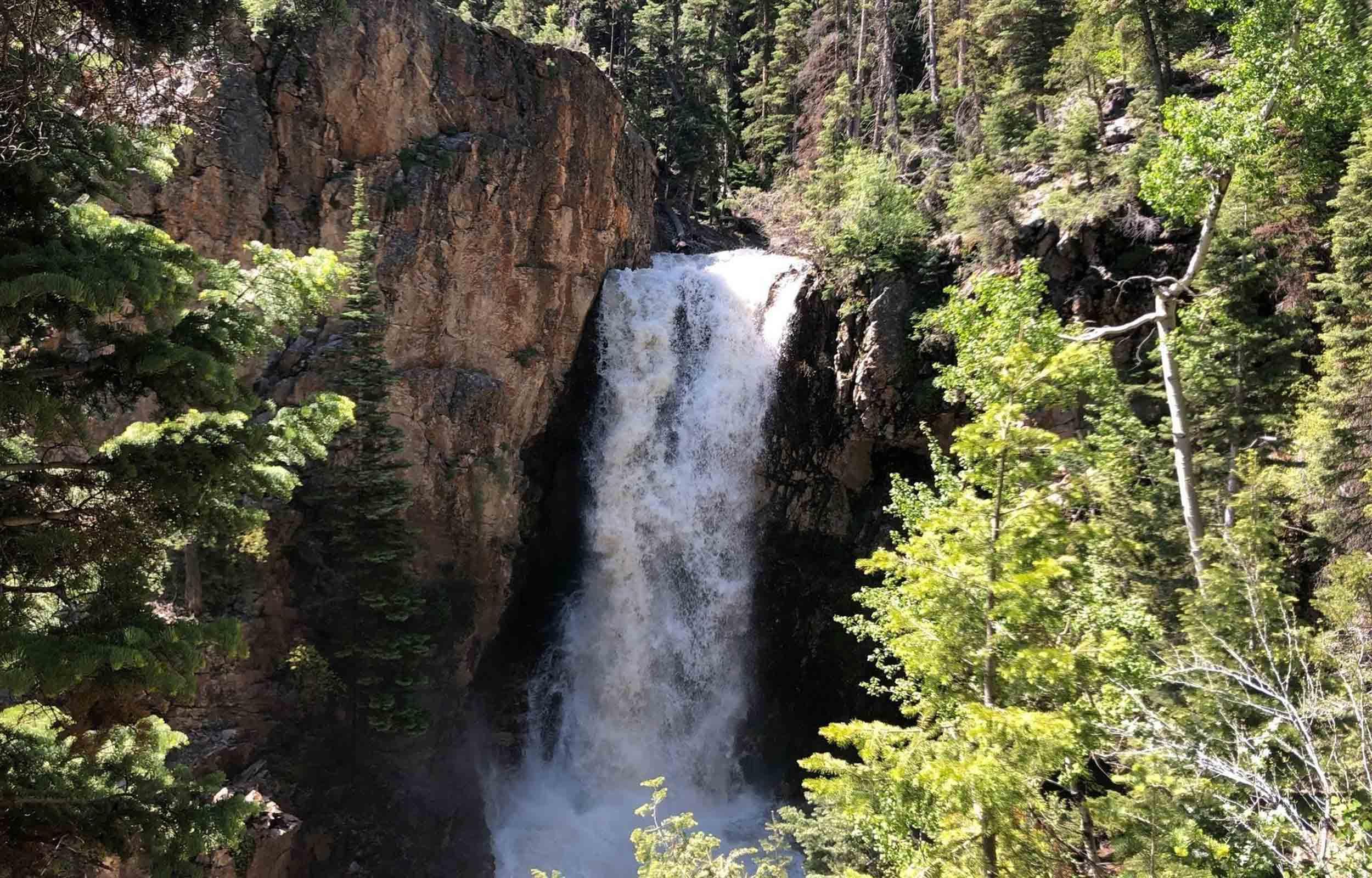 hiking utah buillon waterfalls