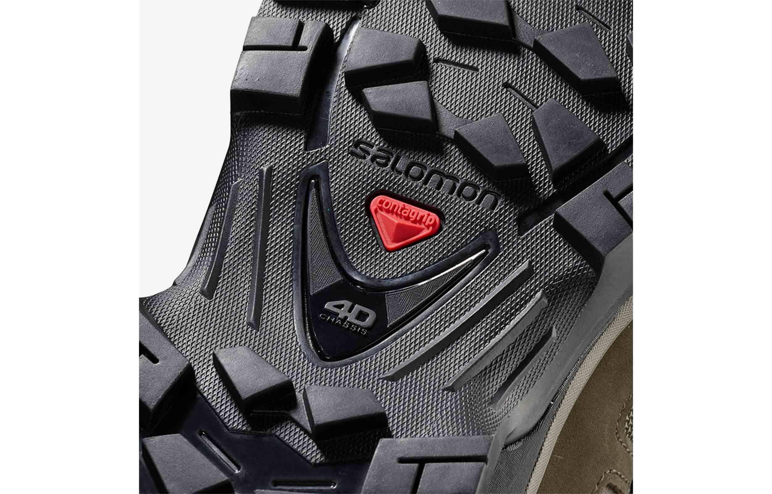 close up sole view of salomon quest 4d 3 gtx mid