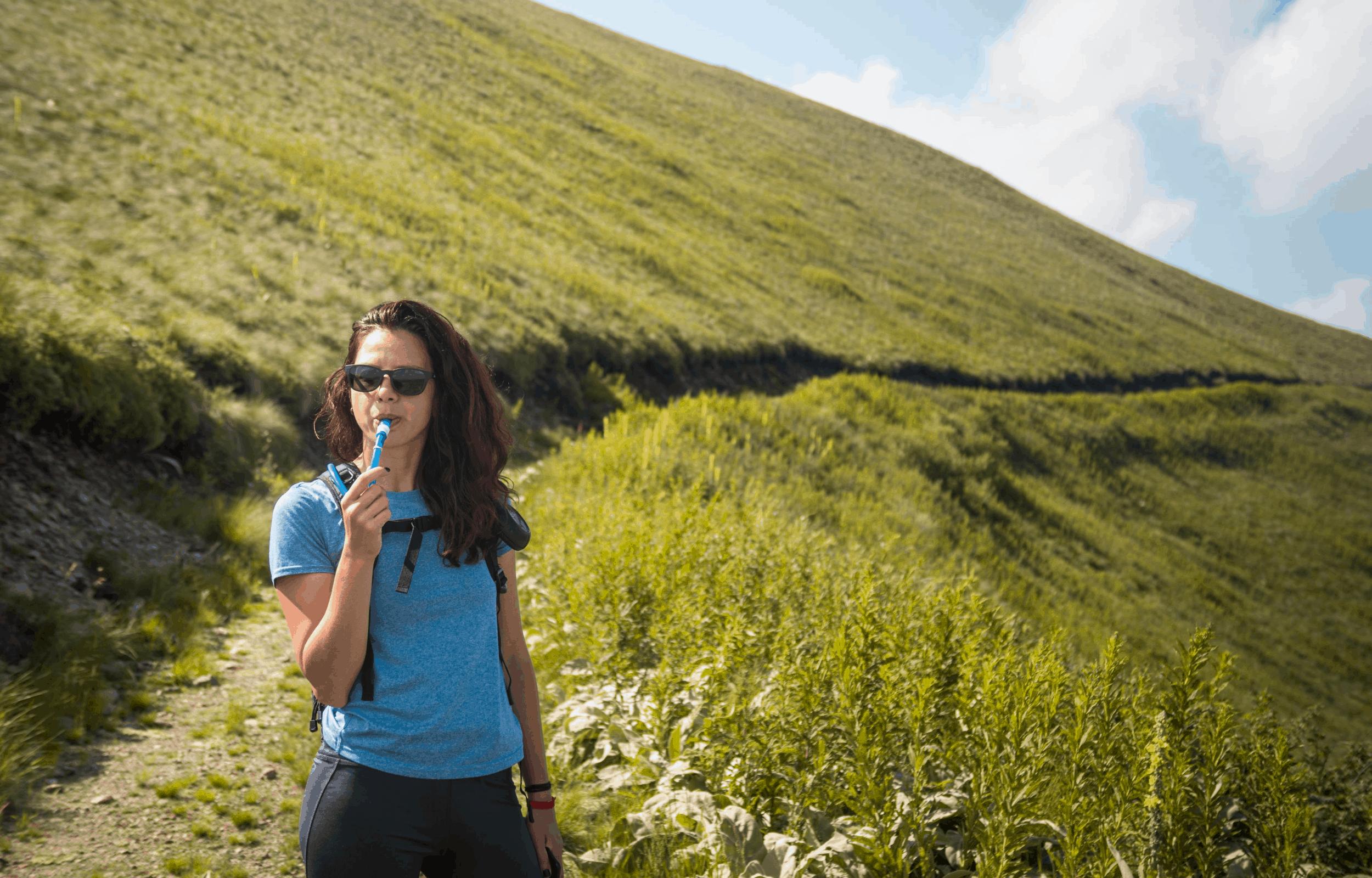hydration bladder lady mountain hiking hydropack