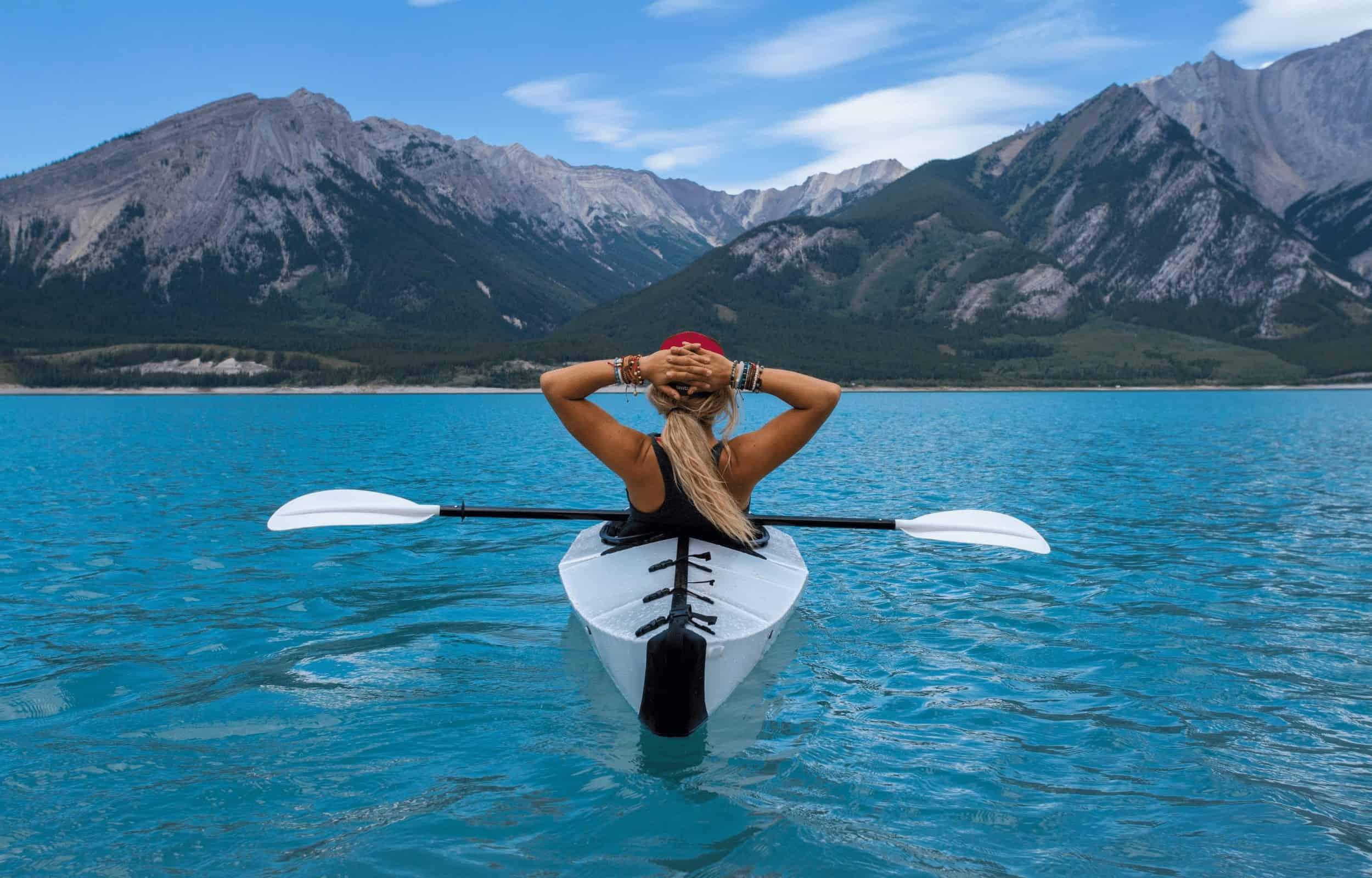 kayak girl mountains