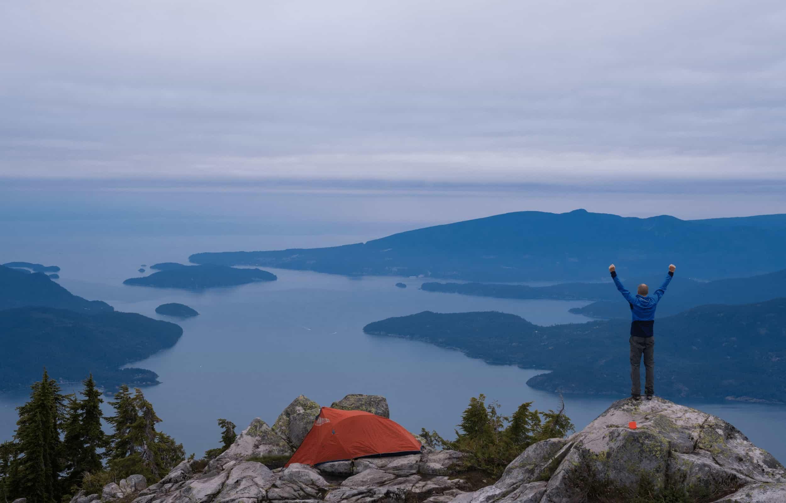 solo hiking alone mountain success man